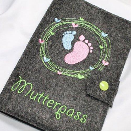 Mutterpasshülle aus Wollfilz bei Etsy für 18,50€