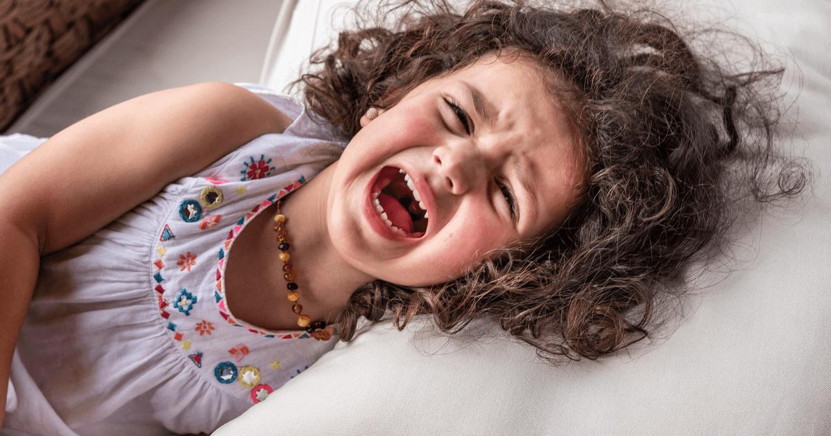 Wütendes schreiendes Mädchen