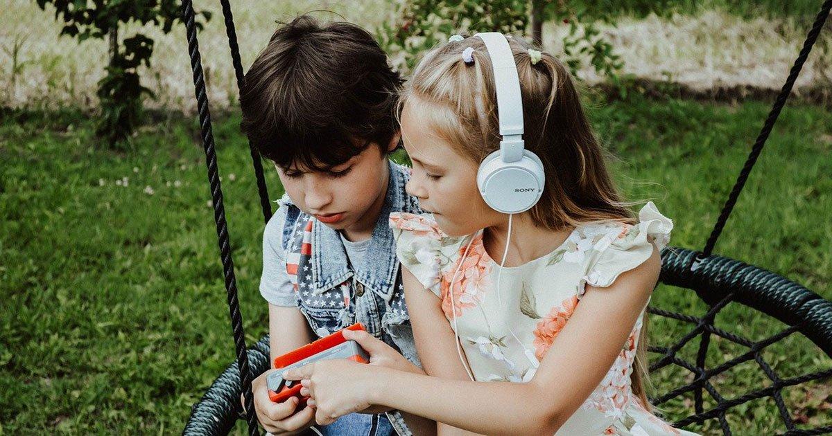 Wie Hörspiele die Entwicklung deines Kindes fördern