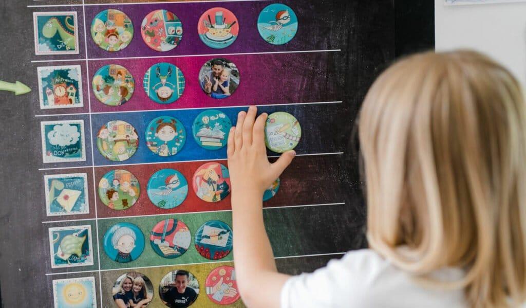 Wochenplaner mit Magneten: tolles Geschenk für 3-Jährige