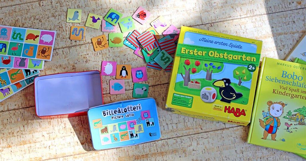 Geschenke für 2-Jährige: Spiele und Bücher