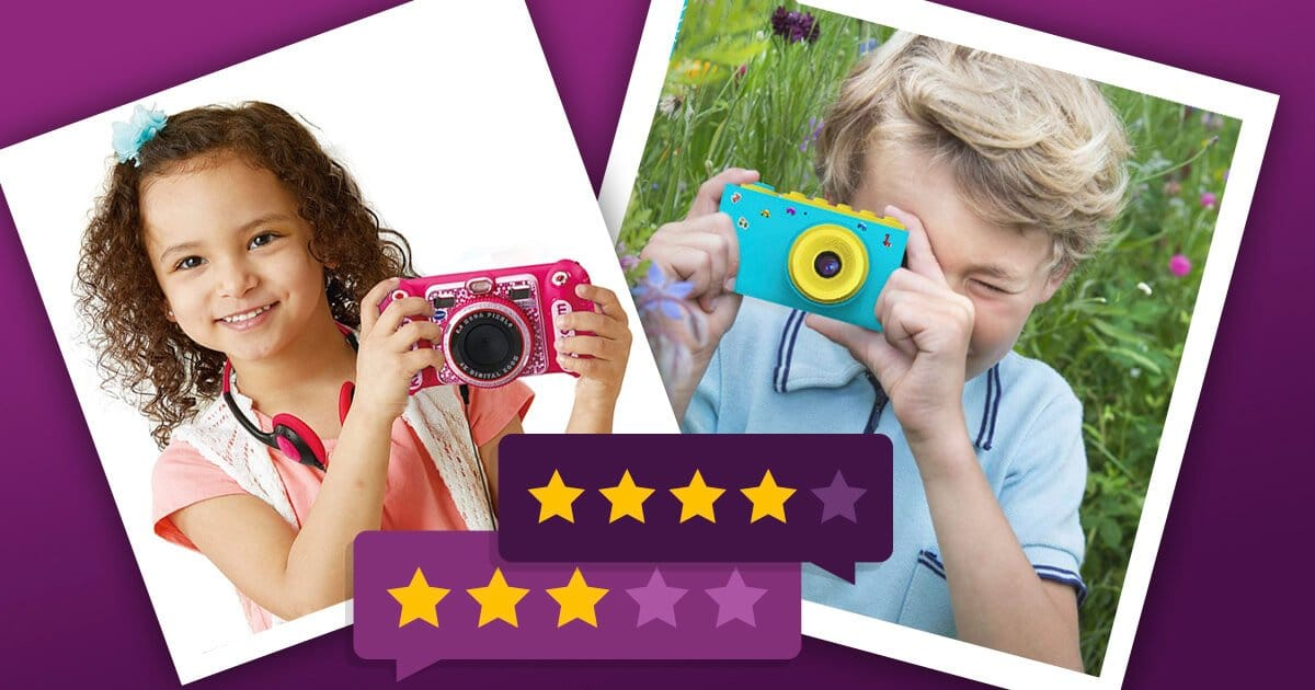 Kinderkamera - Mädchen und Junge fotografieren mit einer bunten Kameras für Kinder