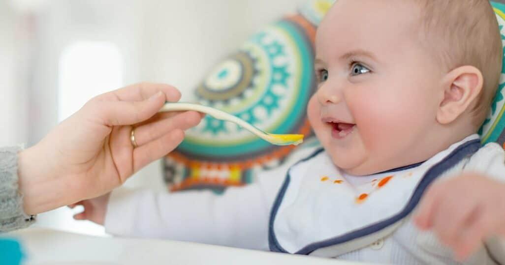 baby isst selbstgemachten babybrei